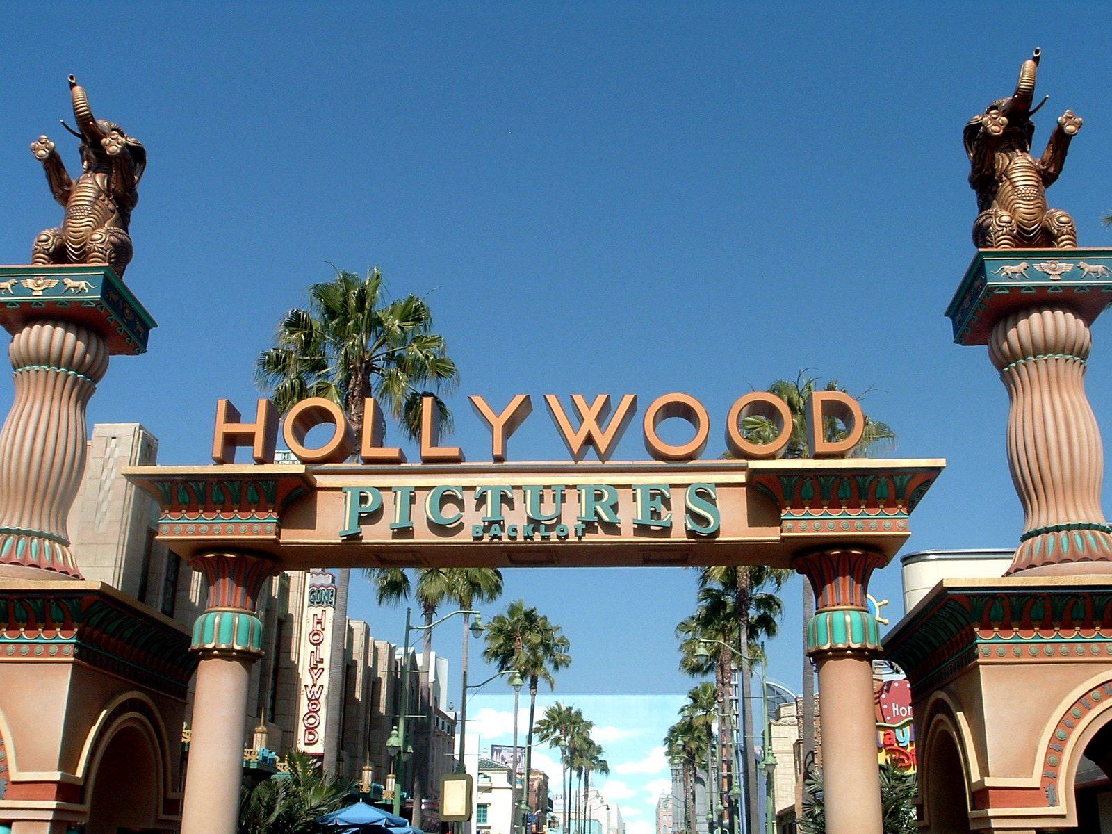 Hollywood_Pictures_Backlot
